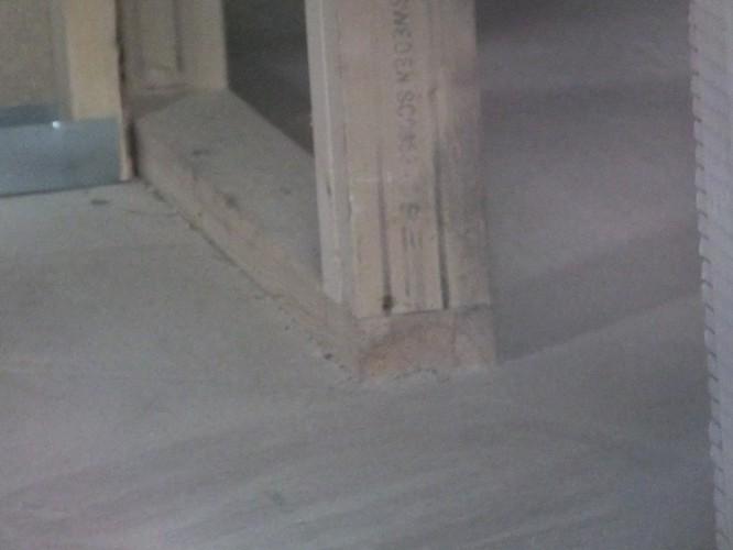 Bärande innervägg som står på golvspånet och ej på syll.