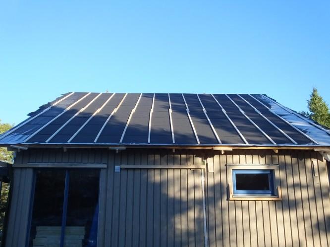 Gamla taket med dess ströläkt