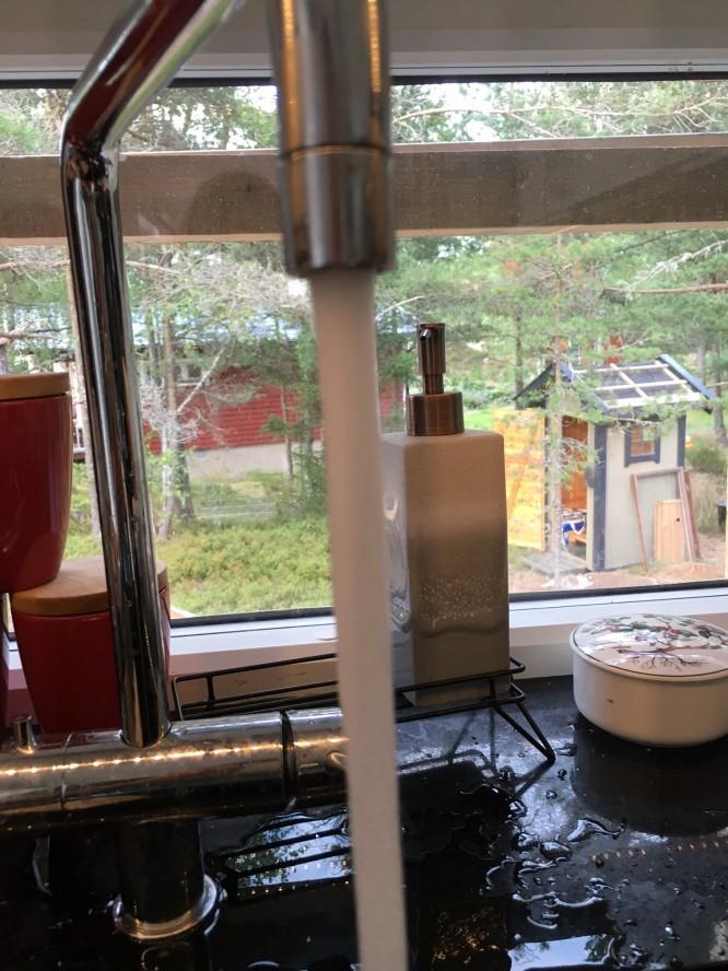 28/7-16 kopplade vi på det gemensamma vattennätet för åretruntvatten.