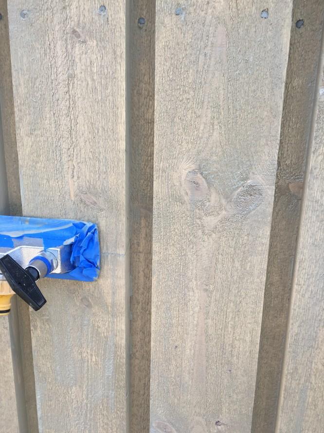 Beckers bergrå fasadlasyr på vår fasad 😍