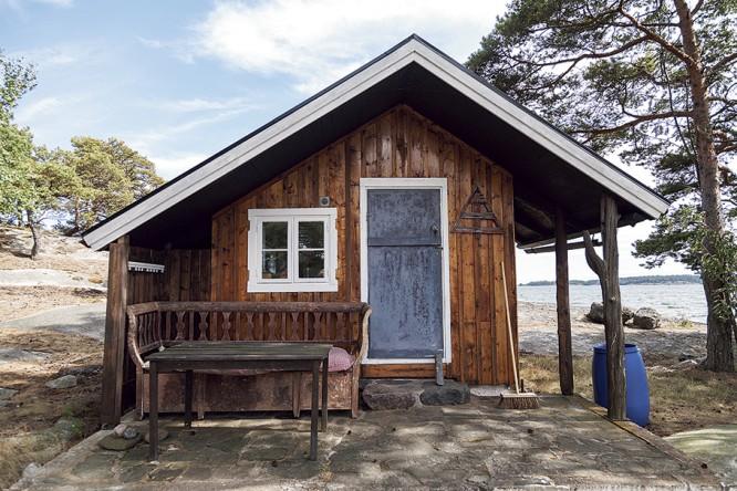 Gyllenskölds (?) stuga, Källa: Skärgården