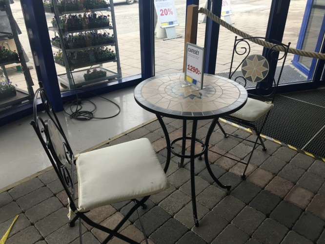 Caféset i smide och mosaik från K-rauta