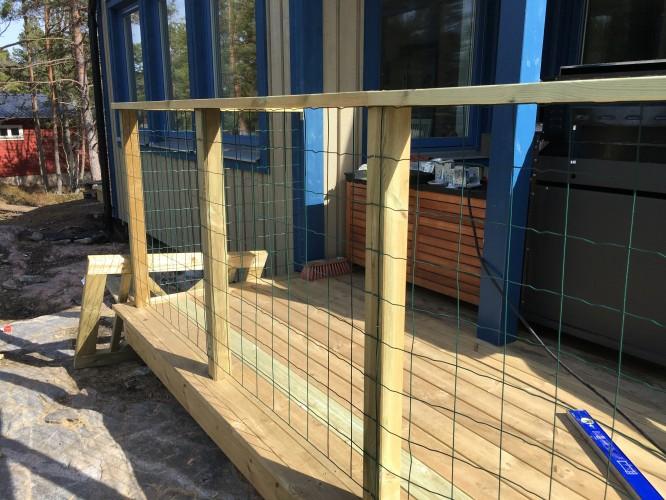 Nästan färdig del av nya staketet