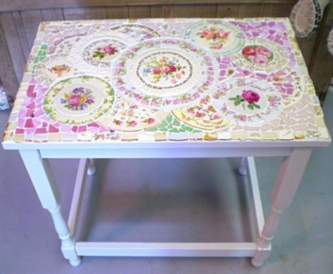 En rosa dröm i mosaik gjord av gamla tallrikar. Källa Feber.se