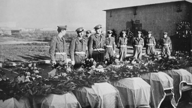 Begravning av de omkomna. Källa Aftonbladet