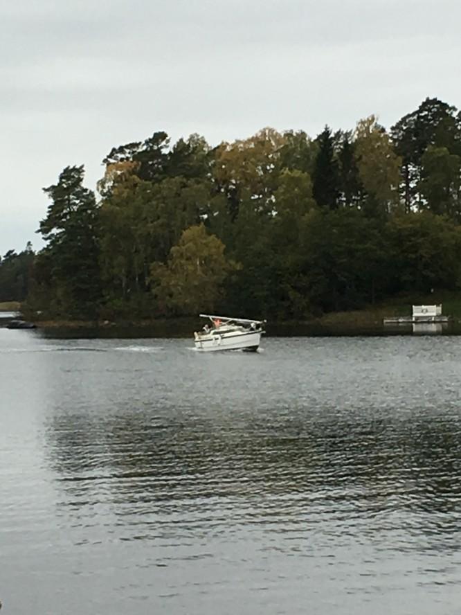Båten avriggad och på väg till upptagningen.